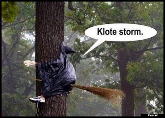 Heks Op Bezem Storm.Klote Storm